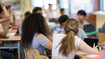El Senado pide que Alta Inspección investigue el adoctrinamiento en las escuelas de las CCAA