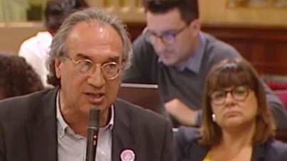 El conseller March reconoce que cuenta con 150 asesores