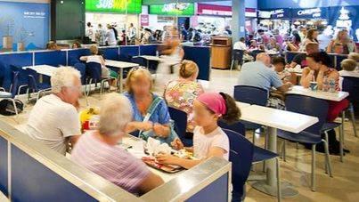 Los 500 empleados de cafeterías y restaurantes del aeropuerto harán paros a partir del 22 diciembre