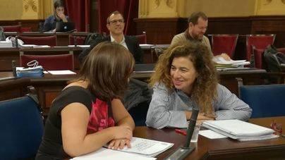 Busquets estrena escaño en los bancos del Govern y Barceló pasa a segunda fila de hemiciclo
