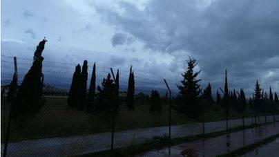 Bruno deja fuertes vientos y lluvias en Mallorca y obliga a cerrar el port de Ciutadella
