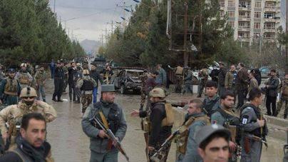 Al menos 40 muertos en un atentado suicida en una escuela coránica en Kabul