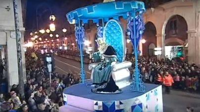 """Cort ultima una cabalgata de Reyes """"espectacular"""" basada en motivos florales y con mucha música"""