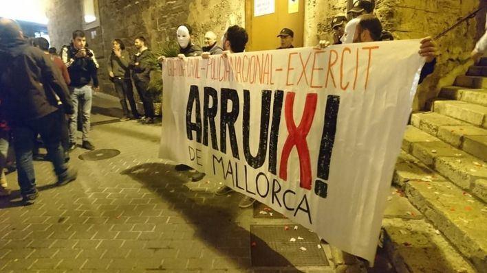 Una nueva entidad catalanista quiere echar a Ejército, Policía Nacional y Guardia Civil de Mallorca