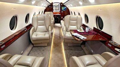 Antonio Banderas compra el jet privado de Telefónica por 4,5 millones de euros