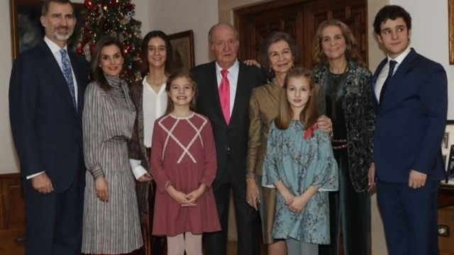 Don Juan Carlos sopla 80 velas con una comida sin Cristina ni Iñaki