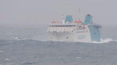 Retrasos en las salidas de barcos en Mallorca y suspendidas las conexiones Ibiza - Formentera