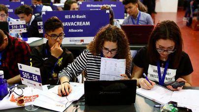 Más de 120 estudiantes de Balears buscan ser los mejores empresarios virtuales del país
