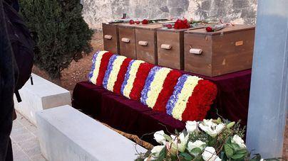 Cinco víctimas identificadas en la fosa de Porreres reposan en el cementerio de Palma
