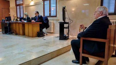 El ex párroco de Selva niega haber abusado de una menor y dice que el padre le pidió 60.000 euros