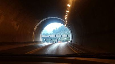 Un menor, herido de gravedad tras caer la moto en la que circulaba en el túnel de Sóller