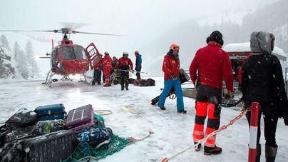 Cientos de turistas atrapados por la nieve en la estación de Zermatt