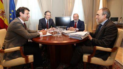 Company viaja a Madrid para pedir el 75 por ciento en los vuelos y reactivar el plan de carreteras