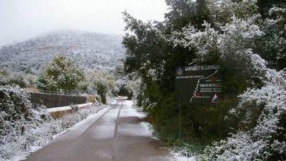 Desplome de temperaturas y nieve en la Serra de Tramuntana