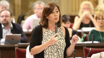 Armengol quiere aprobar el Pacto Educativo con más catalán