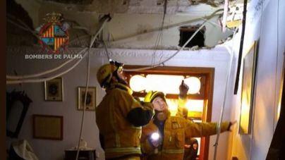 Una mujer resulta herida tras hundirse el techo del comedor de su casa en Palma