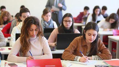 Cien mil jóvenes dejan de estudiar para trabajar animados por mejora laboral
