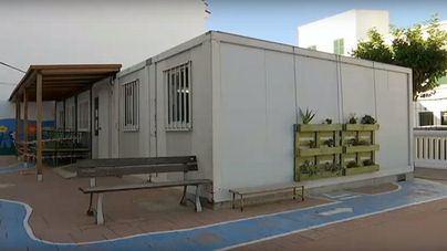 Educació construirá colegios enteros con barracones después de verlos en Barcelona