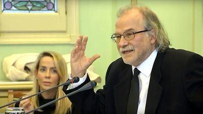 Manresa dice desconocer irregularidades en los contratos y el PP pide su dimisión