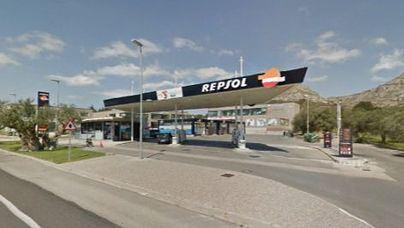 Detenido por no pagar en las gasolineras y falsificar la matrícula del coche