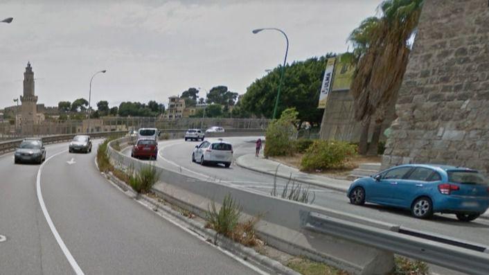 Colapso en Porto Pi con un taxi en dirección contraria