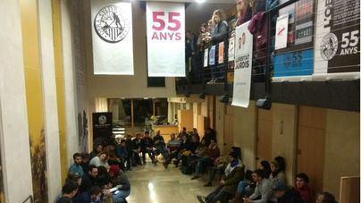 Los defensores de Valtonyc se han reunido en la sede de la OCB
