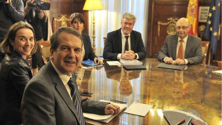 Montoro plantea invertir los superávits municipales, 500 millones en Balears