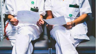Los enfermeros se movilizan por las miles de horas no pagadas por el Ibsalut cada año