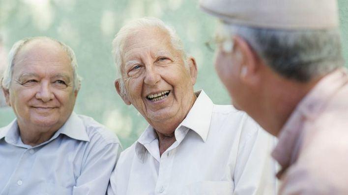 Unos doscientos jubilados se concentran en Palma por unas