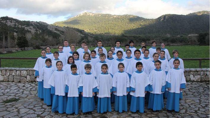 La Escolania de Lluc canta en Almuñecar y la Catedral de Granada