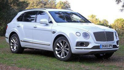 """Bentley""""domestica"""" su SUV: un monstruo de 550 caballos con motor V8"""