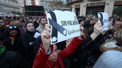 Masiva concentración en memoria de Gabriel Cruz