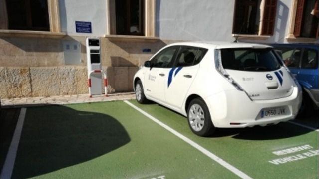 Imagen de los coches eléctricos que está adquiriendo el Consell de Mallorca