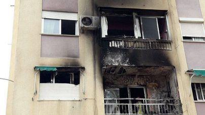 Arden dos pisos por el lanzamiento imprudente de un petardo