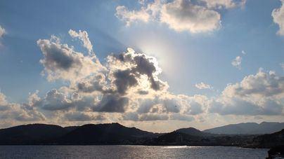 Cielo poco nuboso en Baleares, con posibilidad de lluvias por la tarde