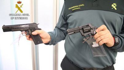 Las armas que no estén legalizadas antes del 24 de marzo deberán entregarse a la Guardia Civil
