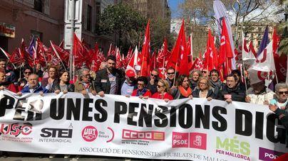 Más de 4.000 personas se manifiestan a favor de 'las pensiones dignas'