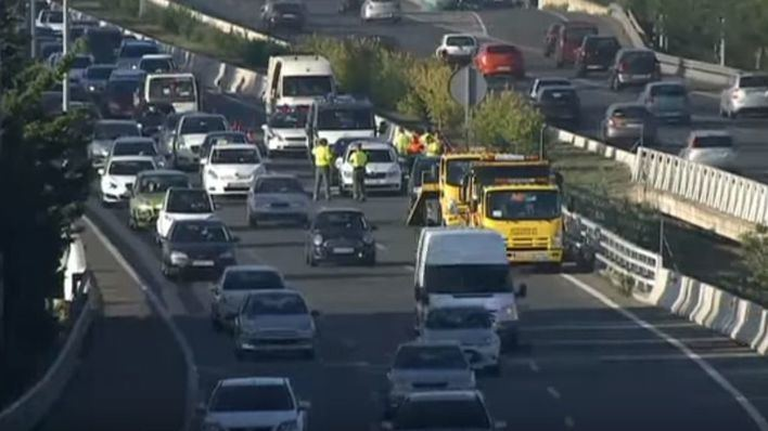 Tres accidentes colapsan la autovía del Aeropuerto hasta Cala Blava en la hora punta de entrada