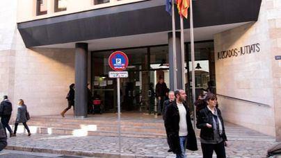 Funcionarios de Justicia se manifiestan por unas'retribuciones y condiciones dignas' este miércoles