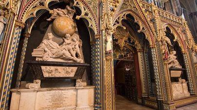 Hawking se unirá a Newton y Darwin en la Abadía de Westminster