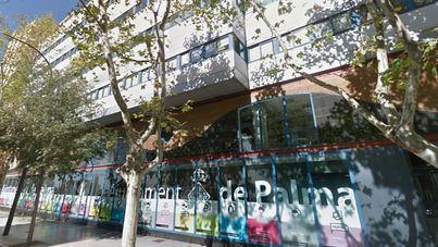 Cort mantiene abiertos edificios públicos sin licencia, según la declaración de un exfuncionario
