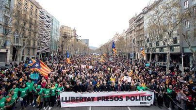 Llegan al centenar los heridos en disturbios en Cataluña, 23 de ellos Mossos