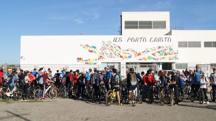 600 alumnos de Porto Cristo participan en la IV Bicicletada Solidaria a favor de la Asociación Asperger