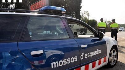 Investigan la explosión de un artefacto en un concesionario de Barcelona