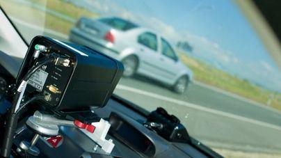 Tráfico usa en Mallorca 18 radares móviles para multar en 399 kilómetros de riesgo