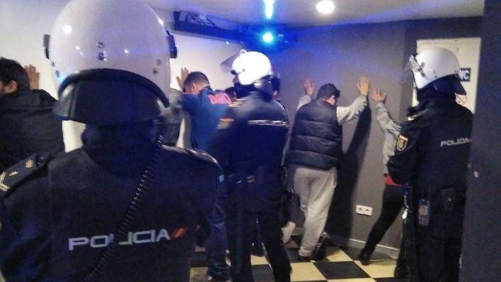 Tres detenidos en diversos controles de la Policía Nacional a la salida de locales de Palma