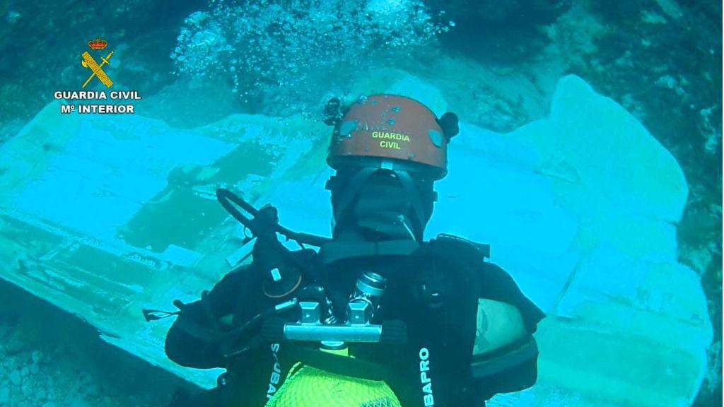 Hallan los restos del 'Semental III' y distribuyen imágenes del naufragio en Cala San Vicente