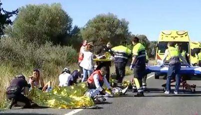 El atropello múltiple de un pelotón ciclista en Capdepera deja 9 heridos, dos graves y uno en estado crítico