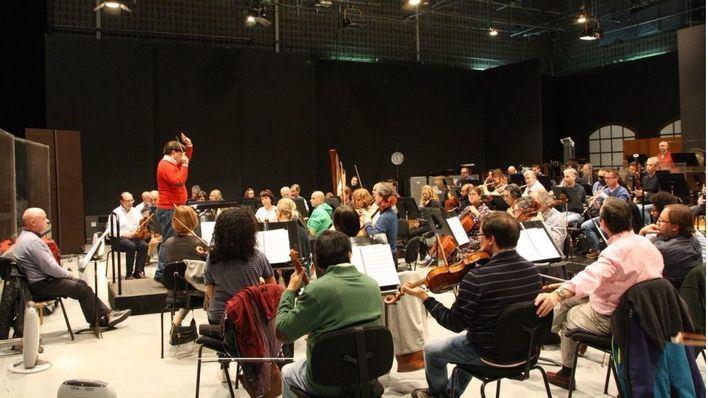 El director de la Sinfónica dice que entre dos músicos con la misma nota, accederá el que sepa catalán