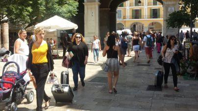 Casi el 7 por cien de casas de Balears se alquila legal o irregularmente a turistas